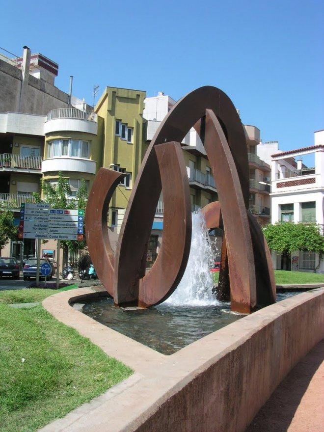 JP.Guyomard_fuente y escultura-min