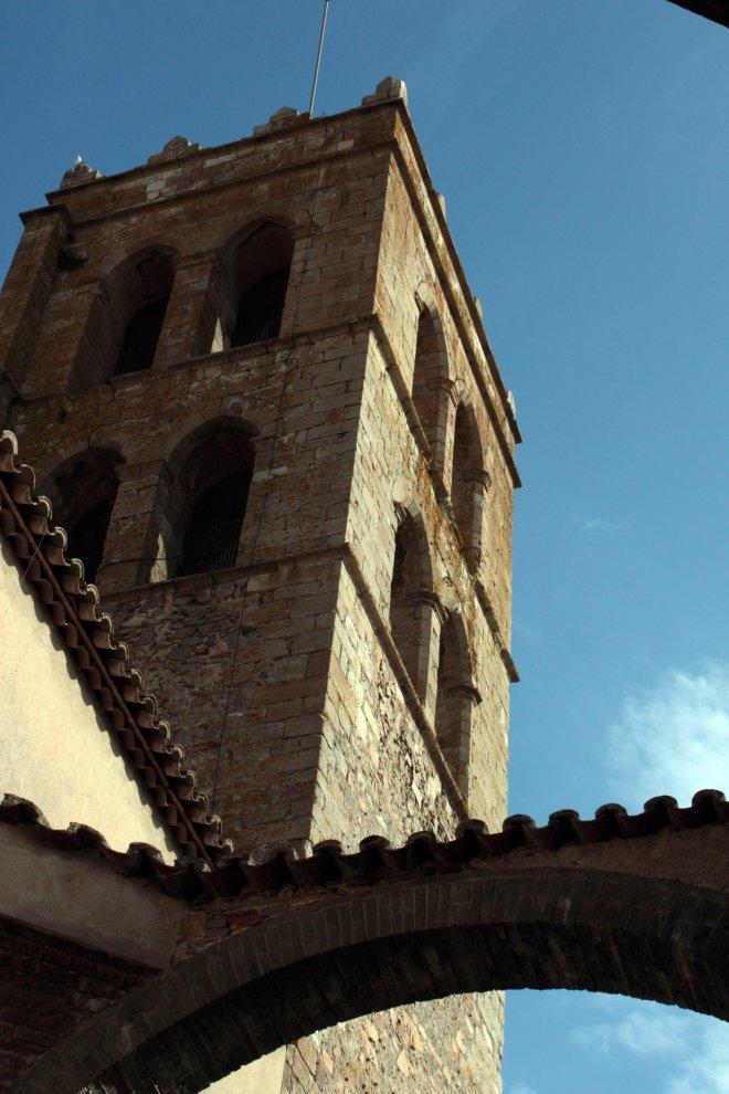 Palau Vescomtal S. XIV-XV- Església Parroquial (5)-min